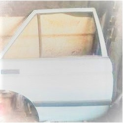 NISSAN SENTRA B12 REAR DOOR RH SHELL