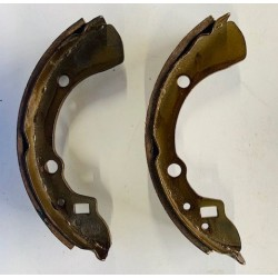 LASER 323 BD BRAKE SHOES