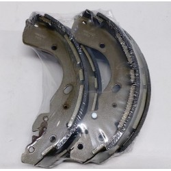 NAVARA D40  BRAKE SHOES